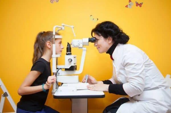 Лечение воспаления век у офтальмолога