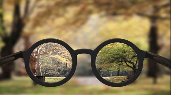 Затуманивание зрения - частое побочное явление при закапывании глазных капель Баларпан