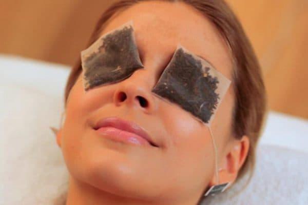 Промывание глаз заваркой