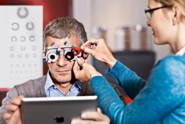 Подбор линз или очков у офтальмолога