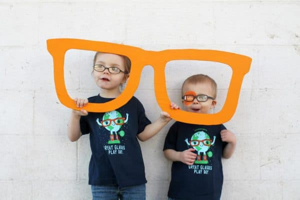 Дети в очках, дальнозоркость