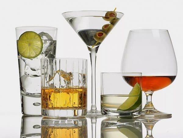 Алкоголь и глазные капли Атропин