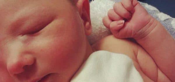 Запущенный дакриоцистит новорожденного