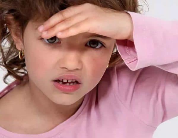 Переутомление у детей и светобоязнь